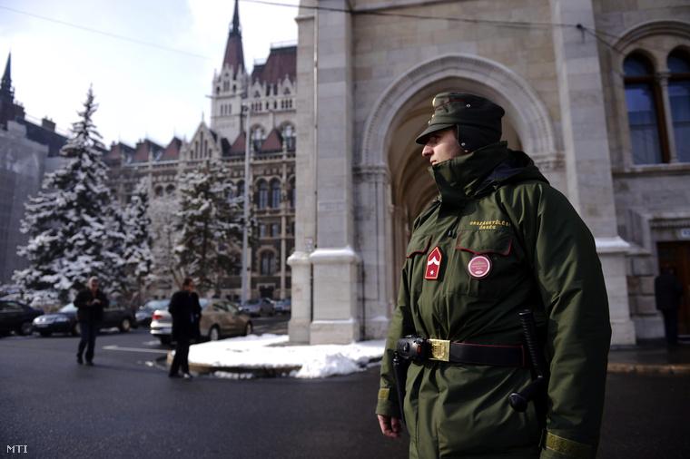 A parlamenti őrség egy tagja