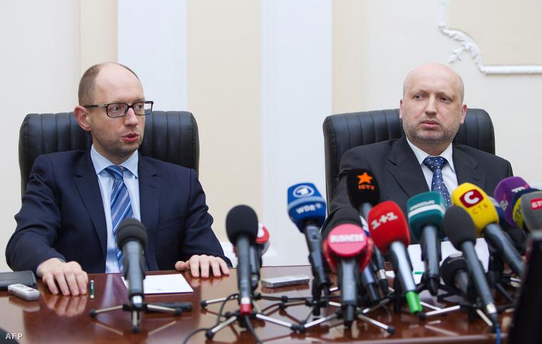 Arszenij Jacenyuk és Olekszandr Turcsinov