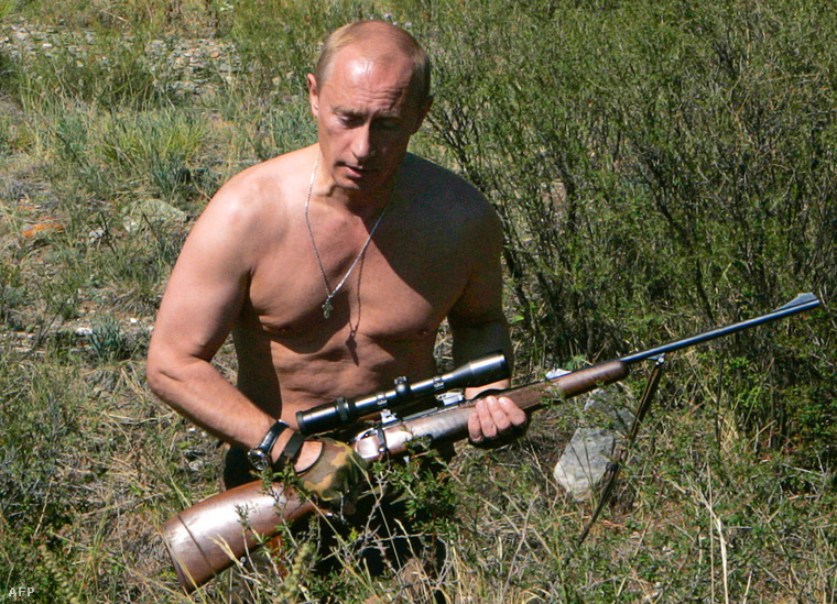 Putyin 2009-ben nyaralni ment a Tuva Köztársaságba, és vitt magával egy puskát