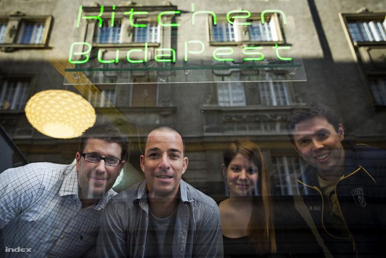 A Piqniq csapata: Tamás, Misi, Alíz és János