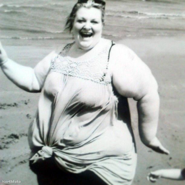 Egy fotó, ami szintén afelé hajtotta a zuhanykabinba is beszoruló brit nőt, hogy fogynia kell. Gyorsan. Drasztikusan.