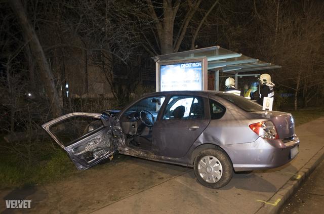 A balesetben négyen sérültek meg.