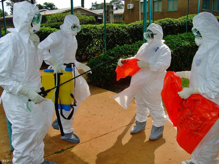 fertőtlenítés Ugandában, a 2012-es járvány idején