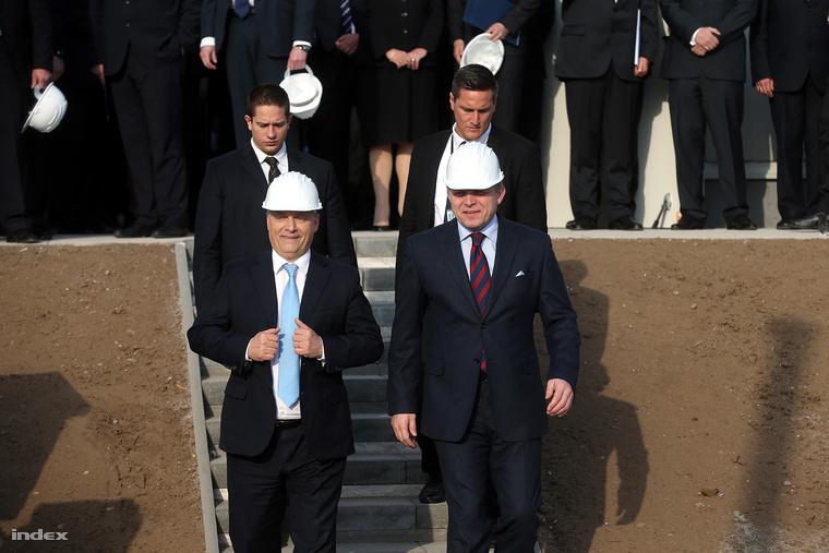 Orbán Viktor és Robert Fico választásokra készülődnek.