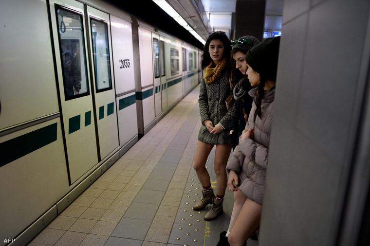 Nadrágtalan metrózás a szófiai metróban