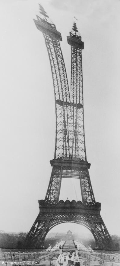 Az Eiffel-torony torzított nézete egy 1961-es fotón.
