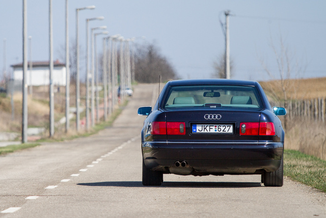 Na, melyik régi Audi van a képen?