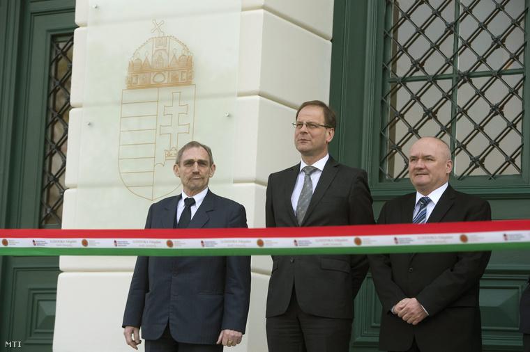 Pintér Sándor, Navracsics Tibor és Hende Csaba