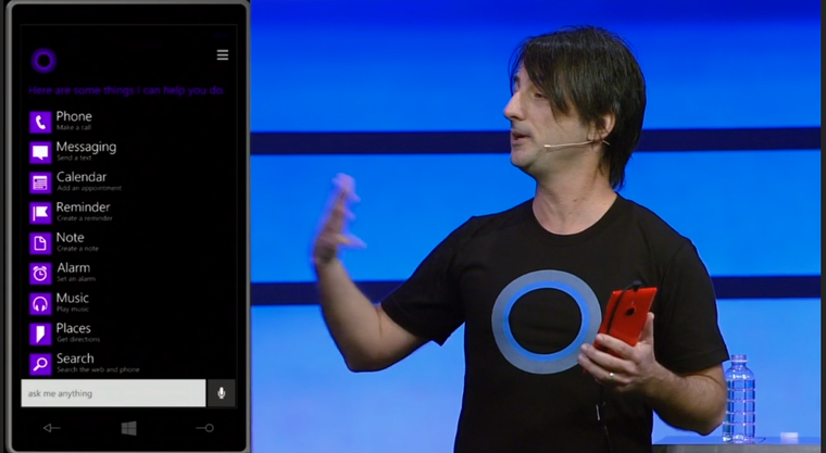 Joe Belfiore alelnök demózza a Cortana keresőjét