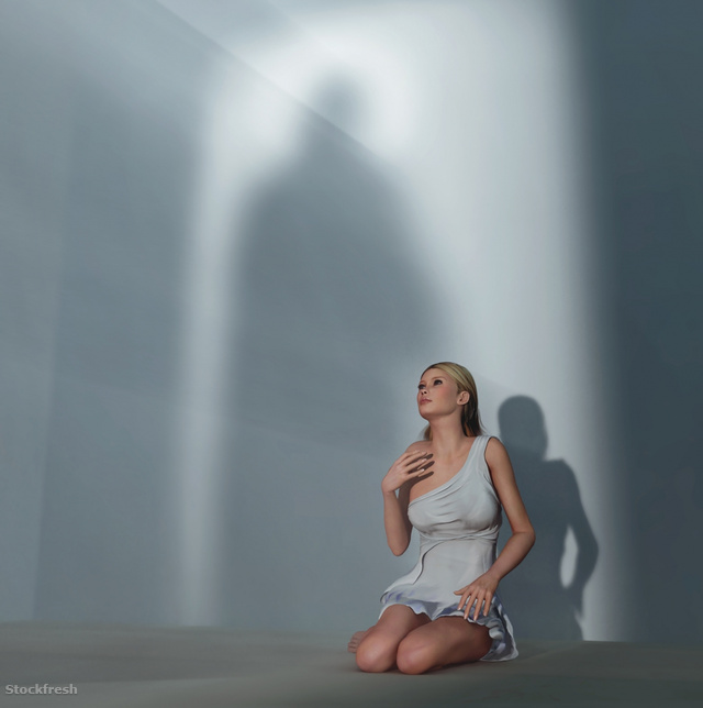 stockfresh 710276 praying-woman-in-dark-room sizeM