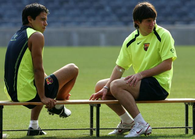 Messi és Saviolával a 2005-ös a nyári edzőtáborban. Ekkor már 6 éve játszott a Barcelonában