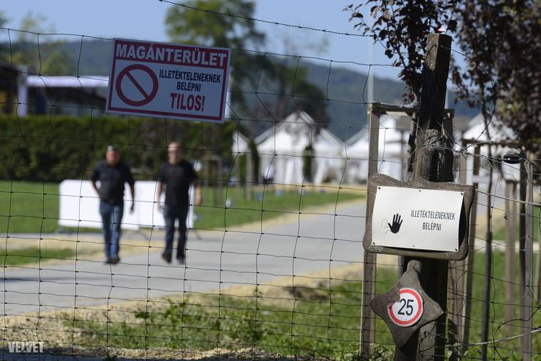 Tiborcz István családjának tükröspusztai birtokát szigorúan őrizték az esküvő napján