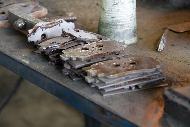 Ötezer forint egy szett fékbetét felújítása