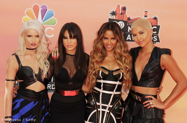 Ők a G.R.L. nevű új együttes, éppen az iHeartRadio Music Awardson voltak, amikor ez a fotó készült róluk. Ez is egy zenei díjkiosztó