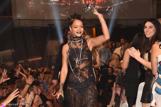 Rihanna, szintén az iHeartRadio Music Awardson