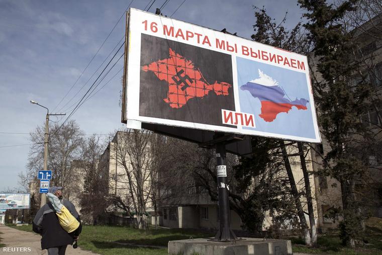 Óriásplakáton kampányoltak a szakadás mellett a Krím félszigeten