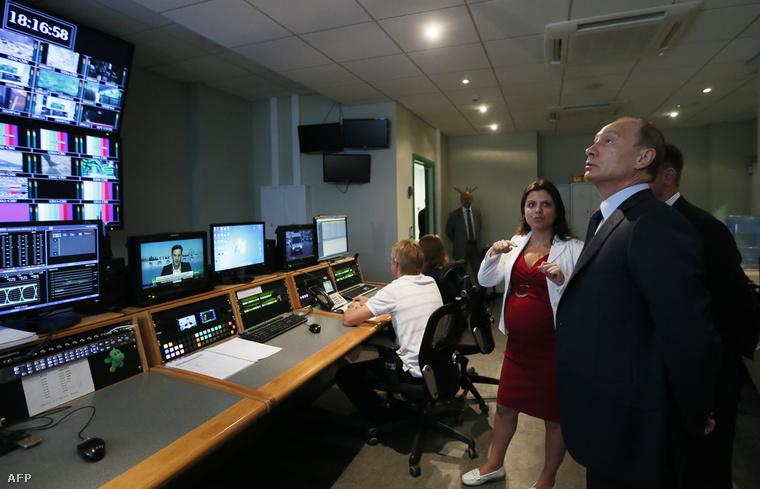 Putyin látogatása a Russia Today szerkesztőségében, 2013. június 11-én.