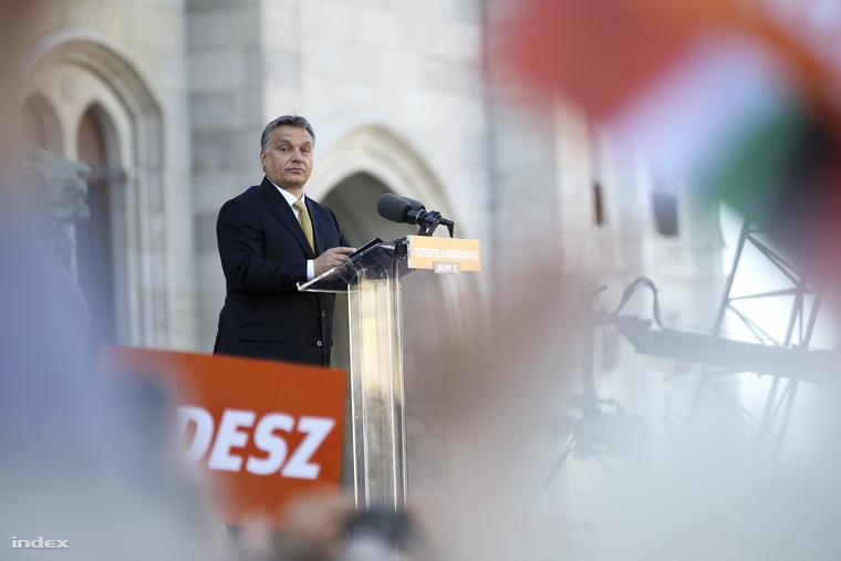Orbán Viktor a Kossuth téren