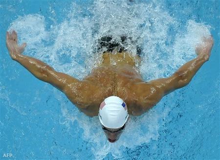 Michael Phelps olimpiai rekordot úszott