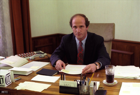 Surányi György, a Nemzeti Bank elnökeként 1990-ben