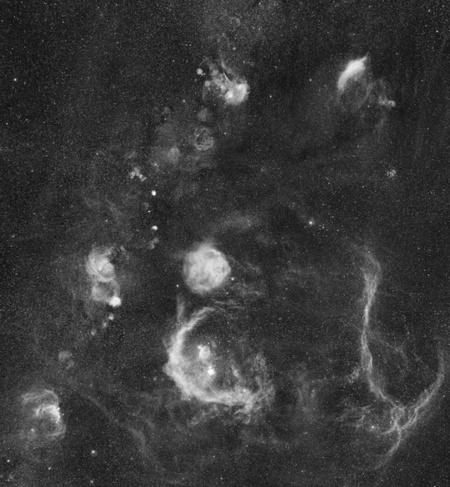 A teljes mozaikkép, középen és lent az Orion csillagképpel (fotó: Dennis di Cicco-Sean Walker).
