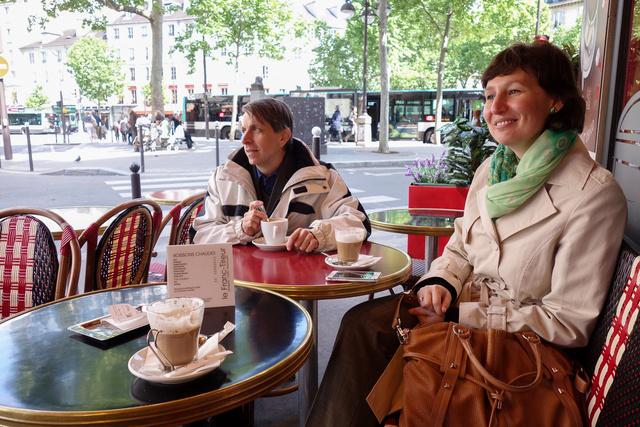 Éljen a csodás párizsi kávéház, vesszen a pocsék kávé