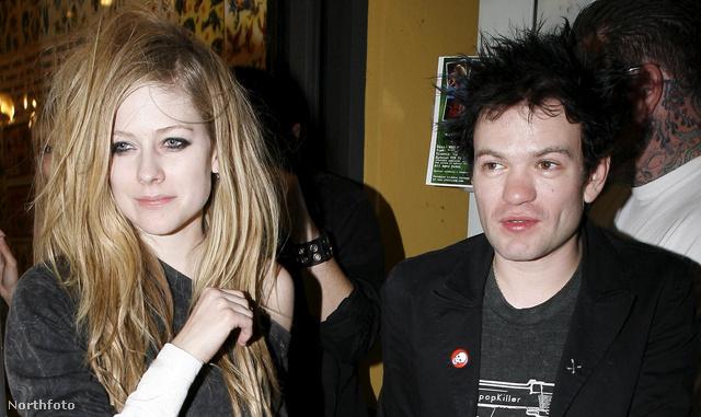 Deryck Whibley 2010-ben még Avril Lavigne-vel a jobbján