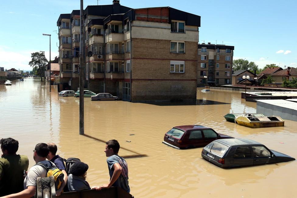 A Bosznia-Hercegovina északkeleti részén Szarajevótól 250 kilométerre fekvő Samacban is pusztított az árvíz.