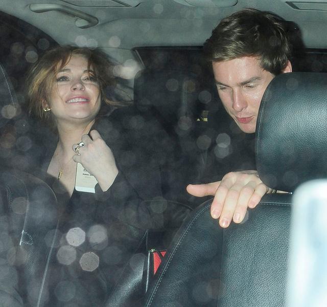 A részeg Lindsay Lohan távozik Noel Gallagher születésnapjáról Fotó: Profimedia-Red Dot