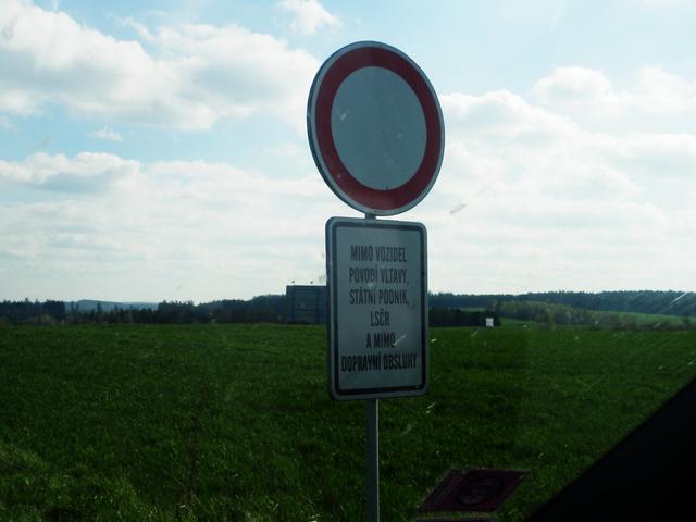 """""""...kivéve a Moldva Állami Vízművek, a Cseh Állami Erdőgazdálkodás és a Közlekedésrendészet járművei"""""""