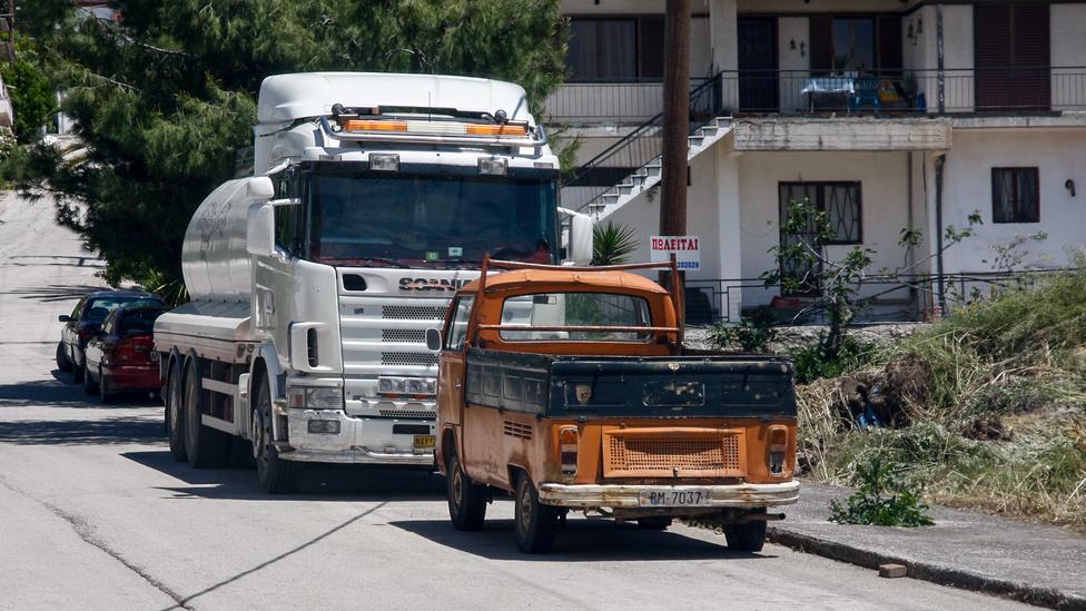Hogy a hetvenes években nemcsak a japánok szórták tele Görögország falvait kisteherautókkal, arra bizonyíték ez a Volkswagen T2-es pickup