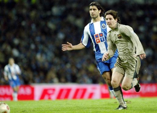 Messi 16 évesen, első Barca-meccsén