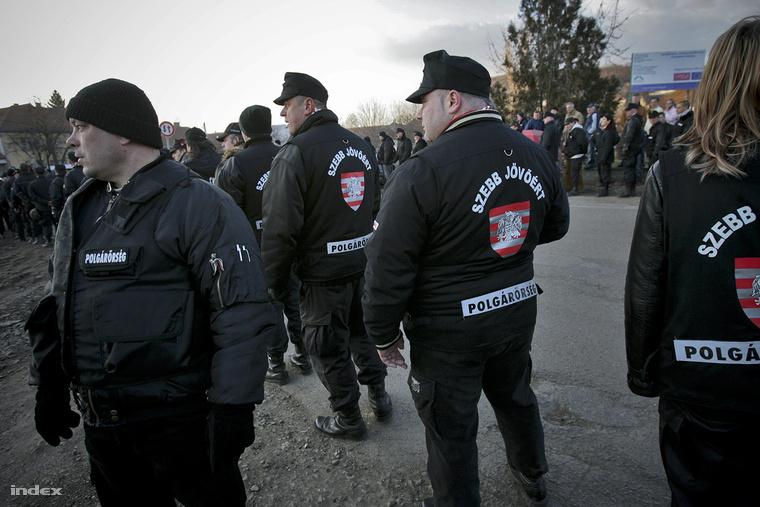 Radikális jobboldali szervezetek gyöngyöspatai felvonulása 2011-ben