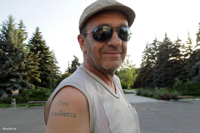 A rokkantnyugdíjas még gyerekkorában a karjára tetováltatta a régió nevét.