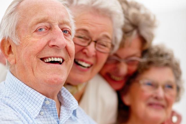 stockfresh 43723 group-of-smiling-older-people-together sizeM