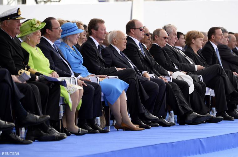 Putyin és Porosenko állami vezetők között Normandiában