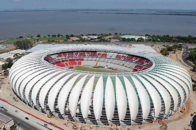 A Porto Alegre-i stadion építése sem ment simán, finanszírozási problémákkal is küzdöttek