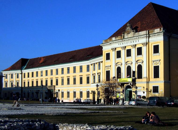 A Nemzeti Táncszínház jelenlegi épülete a Várban