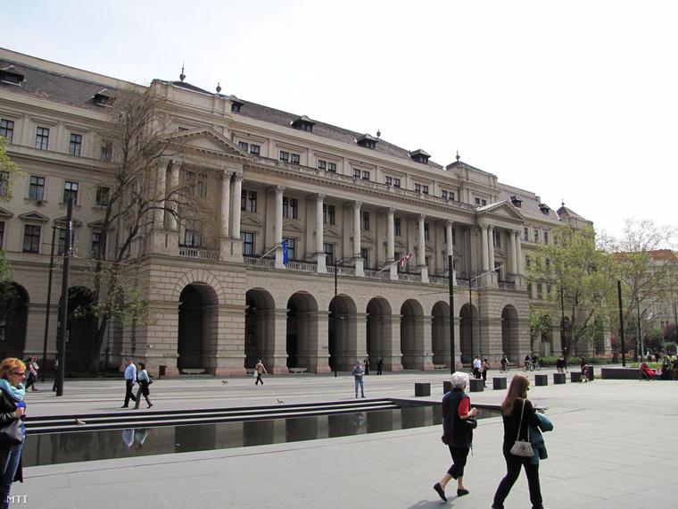 A Vidékfejlesztési Minisztérium jelenlegi épülete a Kossuth téren
