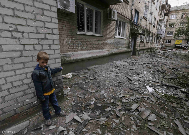 A szlovjanszkiak szerint ágyúzás következtében sérült meg több épület éjszaka