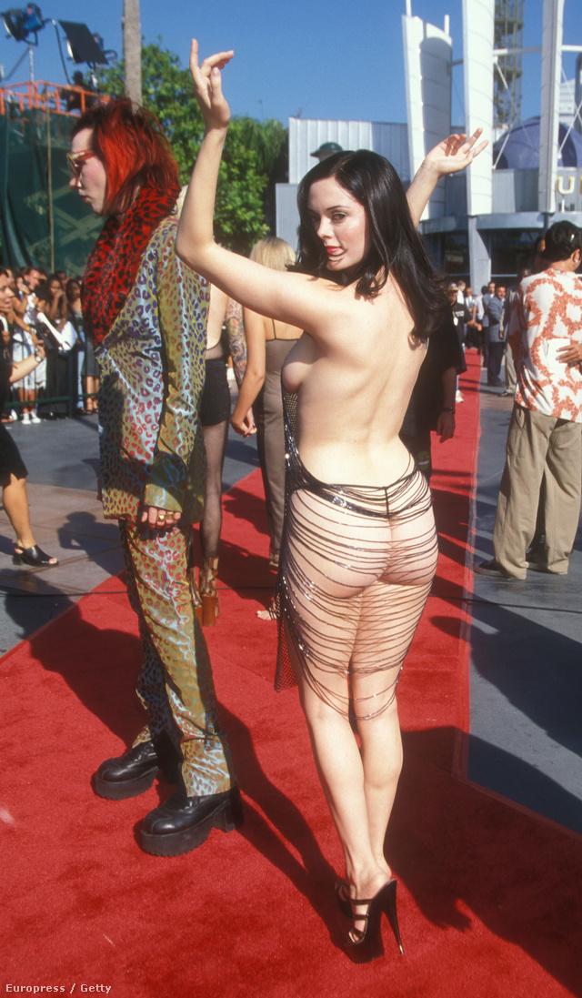 Rose McGowan az 1998-as MTV VMA-n