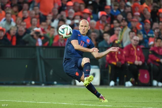 Attól, hogy nem a szélen kezd Robben, ugyanolyan veszélyes maradt