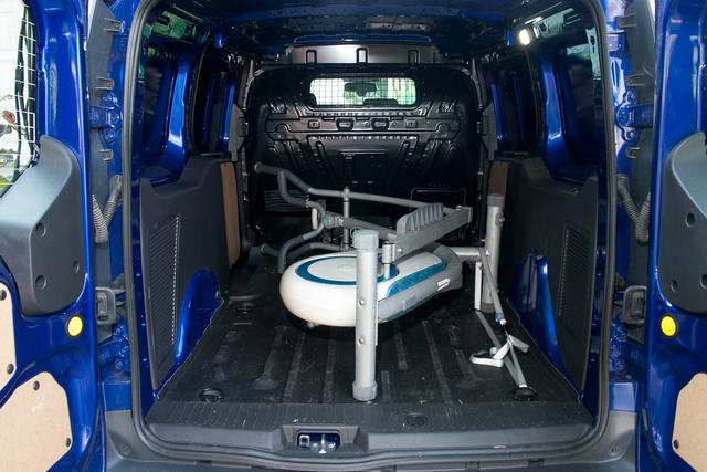 Sportkocsiknál a szállítható golfzsákok számában adják meg a csomagtartó méretét, kishaszonjárműveknél javasolnám az elliptikus tréner egyenérték bevezetését