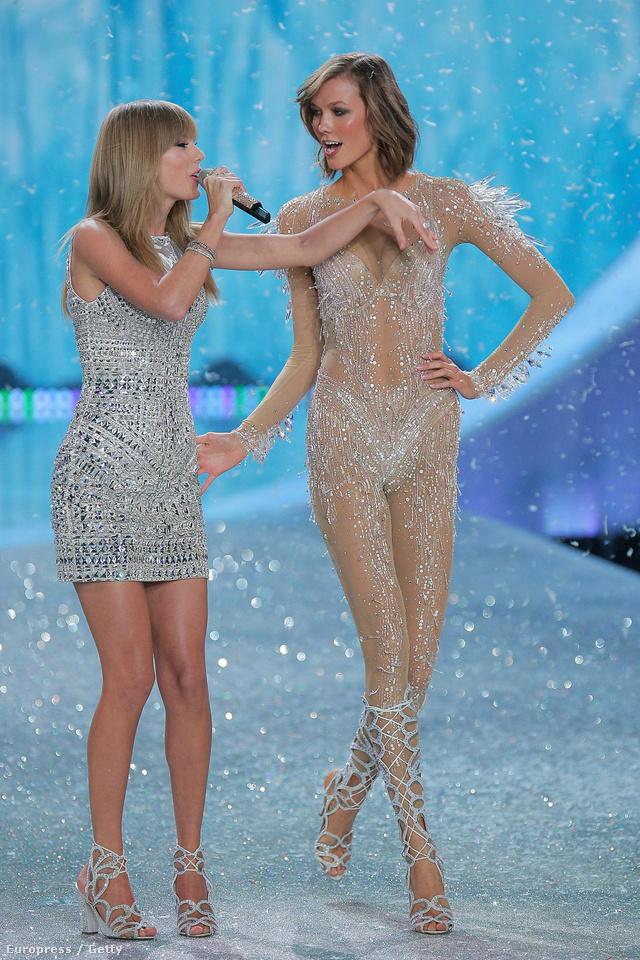 A lányok a Victoria's Secret Fashion Show-n tombolnak