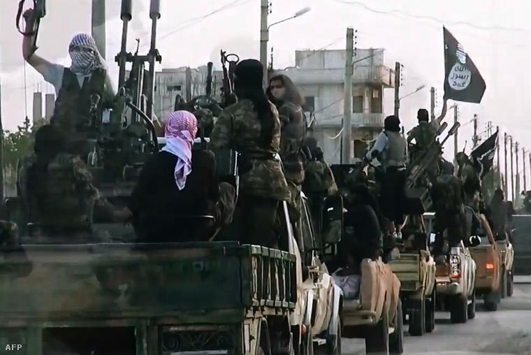 Képkocka egy ISIS propaganda videóból