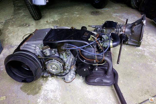 Egyben a motor, már ment négy órát Polski-gumikon