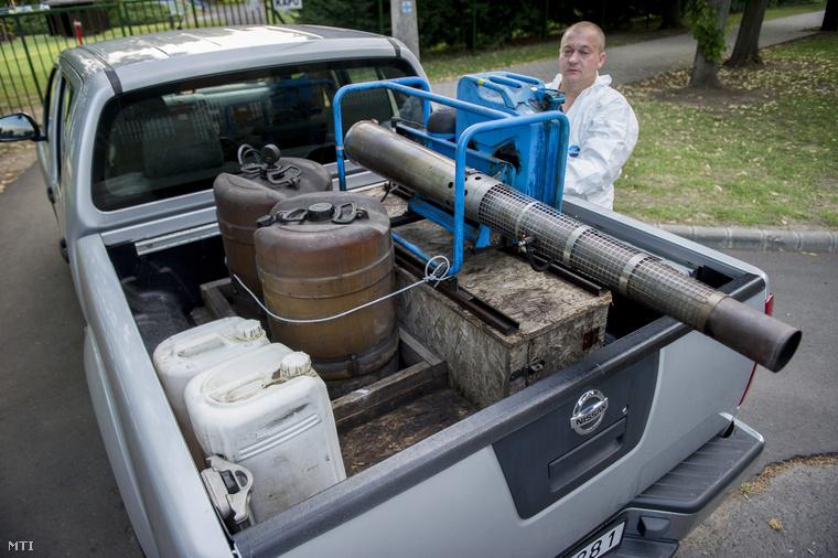 Melegködképző generátorral a szúnyogok ellen