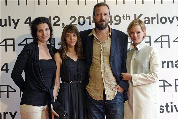 Pálfi György rendező Karlovy Varyban színésznőivel: Búza Tímea, Gera Marina és Hőrich Nóra Lili