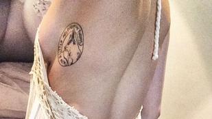 Közkívánatra: Miley Cyrus melle