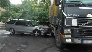Durva autós üldözés volt Miskolcon